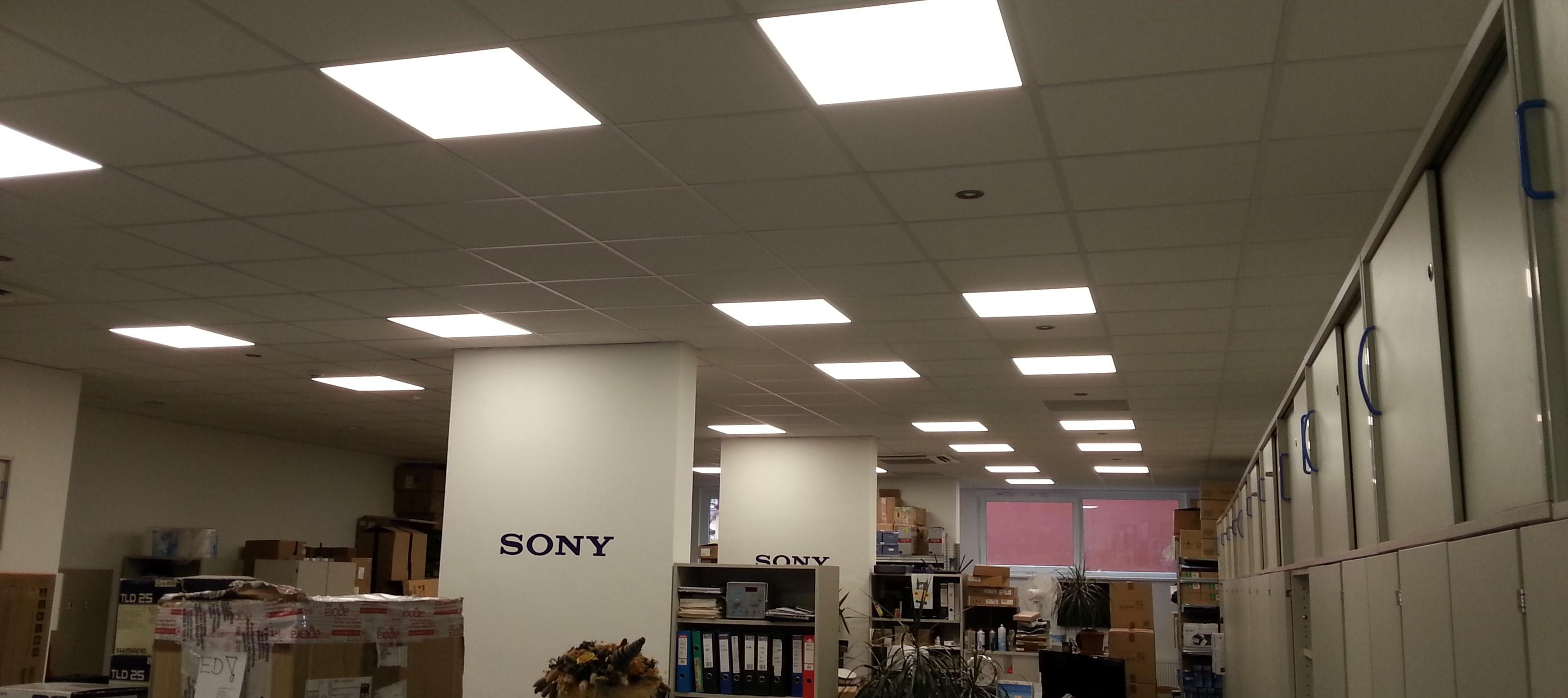 prodejna_kancelar_jak_vybrat_led_svetla_doporucit_poradit_led_panely_stropni_ctverce_usporne_levne
